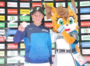 プロ初登板初勝利を挙げた吉田輝