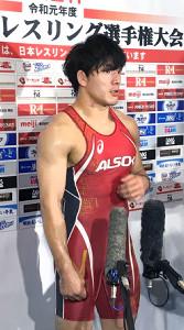 準決勝で鼻血を出しながらも圧勝した高谷惣亮