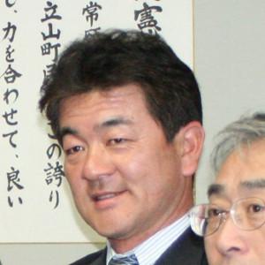 鈴木康友さん