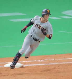 9回1死、左翼に二塁打を放つ若林晃弘(カメラ・池内 雅彦)