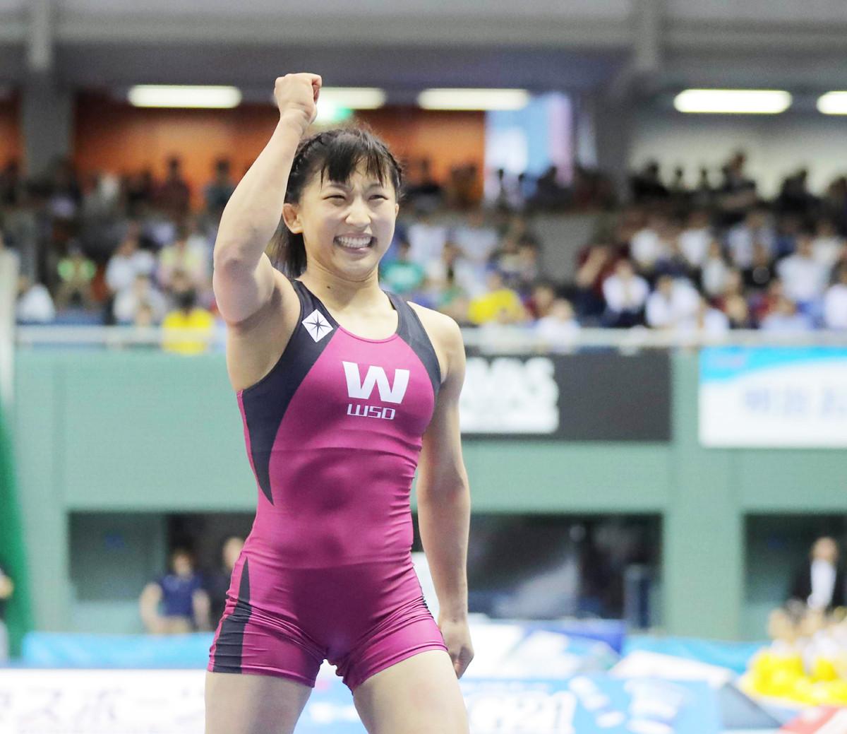 須崎、憧れ登坂に大差勝ち「倒せてうれしかった」 : スポーツ報知
