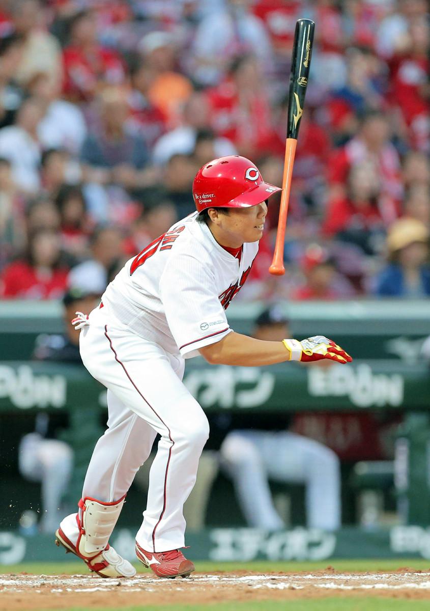 5回、中前適時打でプロ初打点を挙げた広島・高橋大