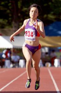 女子100メートルで向かい風0・6メートルながら11秒68の好記録で2連覇を飾った御家瀬