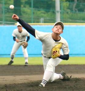 横浜高校との練習試合に登板した日大三・井上広輝