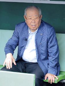 甲子園球場を訪れた元監督の野村克也氏