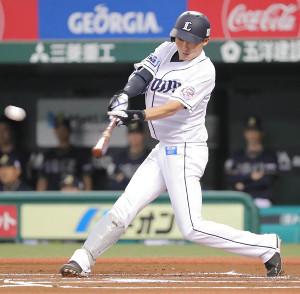 1回無死一塁、右中間に先制適時三塁打を放つ源田壮亮