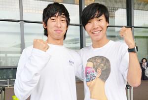 約5か月のニュージーランド留学から笑顔で帰国した青学大社会共生学部3年の吉田圭太(右)と神林勇太