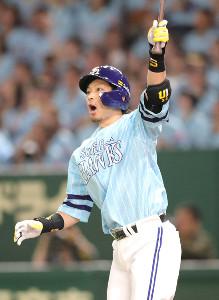 4回2死、20号本塁打を放った松田宣