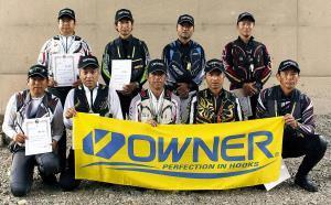 上桂川予選を突破した(前列左から)横田、宇都宮、林、森、吉田、後列左から)清水、大前、尾崎、谷口の9選手