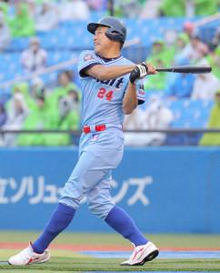 試合前のホームラン競争で金属バットを使用し本塁打を放った内藤尚行