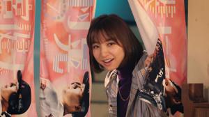 """「鷹からマリコ~野球も私""""裏""""がある」での篠田麻里子(C)RKB毎日放送"""