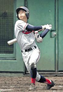5回1死一塁、京都国際の上野が左越え2ランを放つ