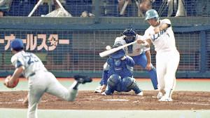 90年のオールスター第2戦で、左翼場外に本塁打を放った清原(投手は中日の与田)