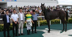 中京5Rの新馬を勝ったクリアサウンドと松山騎手