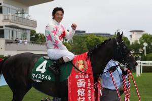 マイスタイルで4年ぶりの重賞勝ちをおさめた田中勝春騎手