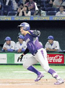 延長10回2死二塁でヤマハ矢幡が左中間へ決勝の二塁打を放つ