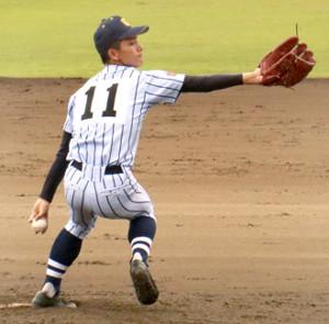 中大杉並戦で好投した東海大菅生の2年生左腕・新倉寛之