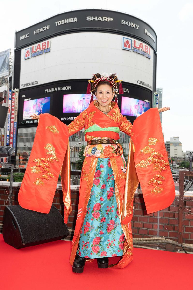 新曲発売イベントを行った高橋洋子