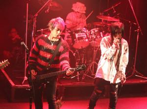 初のワンマンライブを行った「はちゃめちゃ狂バンド」のヒロシ(左)とSCEANA
