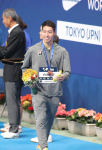 200メートル個人メドレーで3位に入り笑顔を見せる萩野公介