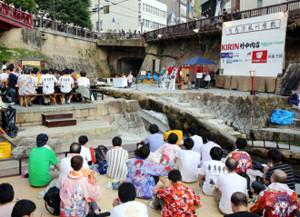 大勢のファンを集めて行われた温泉むすめのトークイベント