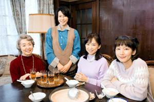 「あの家に暮らす四人の女」に共演する(左から)宮本信子、中谷美紀、永作博美、吉岡里帆
