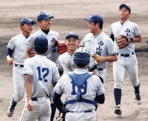 4回コールド&無安打無失点の圧勝スタートに笑顔の京都南山城ナイン