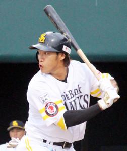 初回1死二塁で左翼へ適時二塁打を放った柳田