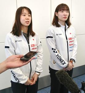 世界選手権へ抱負を語った(左から)永原和可那、松本麻佑