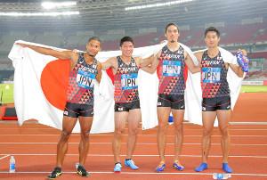 (左から)ウォルシュ・ジュリアン、小池祐貴、安部孝駿、飯塚翔太