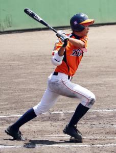 2三塁打を含め4安打の固め打ちで勝利に貢献した大阪北・久米