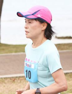 女子年代別で初優勝した川内の母・美加さん