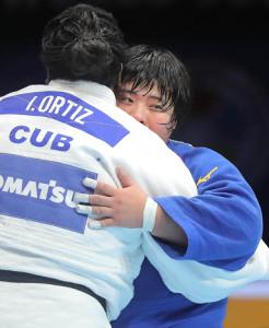 オルティス(左)の指導3つによる失格負けで初優勝を飾った素根輝(カメラ・相川 和寛)