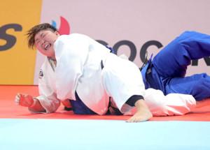女子78キロ超級の3位決定戦、アルトマンから払い巻き込みで一本を奪い銅メダルとなった朝比奈沙羅