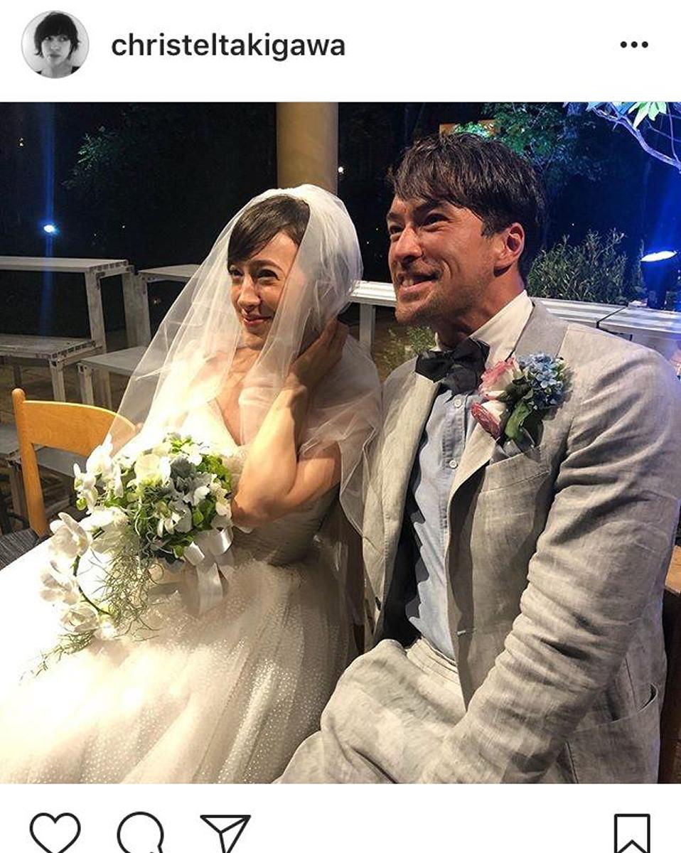 滝川クリステル、小泉進次郎議員との挙式を報告 ウエディング