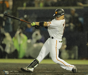 6回1死二塁、丸佳浩が右前適時打(カメラ・相川 和寛)