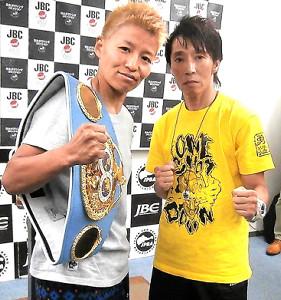 IBF女子世界アトム級タイトルマッチに臨む王者・花形(左)と挑戦者・池山
