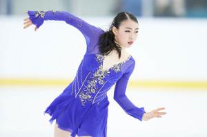 女子ショートプログラムで演技する紀平梨花