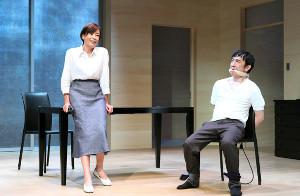 舞台「死と乙女」の公演を迎える宮沢りえ(左)と段田安則(撮影・宮川舞子)