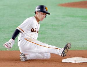 7回1死一塁、増田大輝が二盗成功
