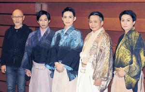 公開稽古前に取材に応じた(左から)江田剛、浜中文一、ラサール石井