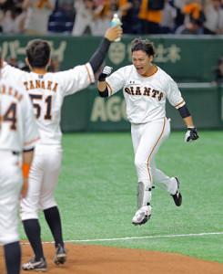 8月24日のDeNA戦、延長11回無死二塁で代打サヨナラ2ランを放った石川