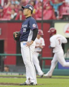 5回1死一塁、浅村に左中間に2ランを浴びた榎田