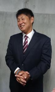 現役引退を表明した岩本