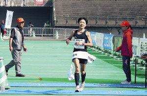 女子ハーフ40歳代で初優勝した藤澤