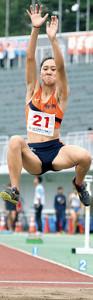少年女子B走り幅跳びで優勝した松尾