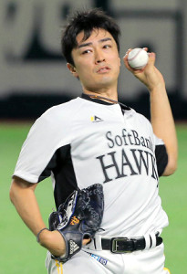 ヤフオクドームでキャッチボールを行う和田