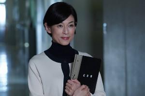 「ほんとにあった怖い話 20周年スペシャル」で教師役を演じる鈴木保奈美(C)フジテレビ