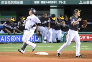9回2死一塁、山川穂高が遊ゴロに倒れて試合終了