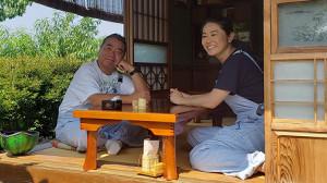出川哲朗(左)と澤穂希さん(C)テレビ東京